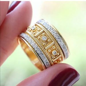 Two tone thick band ring size 7
